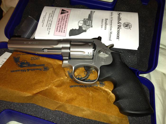 "Smith & Wesson Model 686 Pro Series 5"" 7 Shot Revolver"