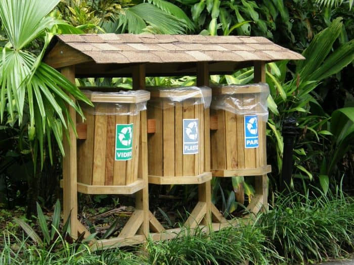 outdoor selective recycling bins